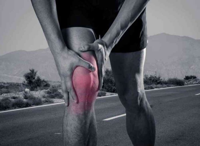 what can cause knee pain without injury